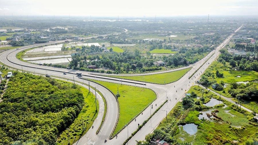 Hệ thống hạ tầng giao thông tại Long An đã thay đổi như thế nào từ năm 2013 2