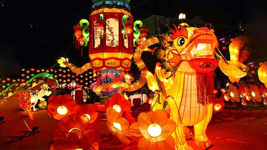 Phố lồng đèn Sài Gòn nhộp nhịp mùa trung thu, thu hút ngàn lượt du khách mỗi ngày 11