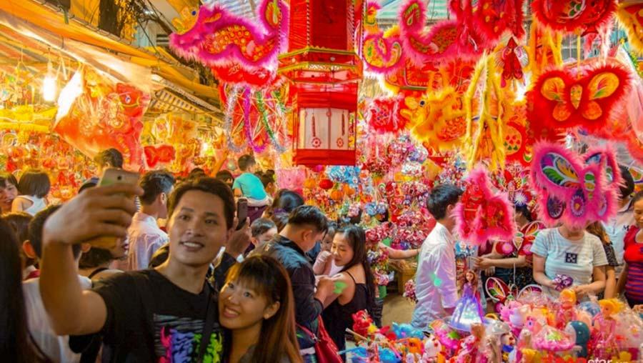 Phố lồng đèn Sài Gòn nhộp nhịp mùa trung thu, thu hút ngàn lượt du khách mỗi ngày 8