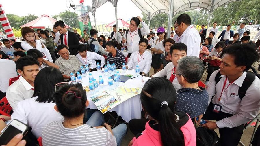 Rất đông khách hàng tham và đặt chỗ dự án kdc Thiên Phúc