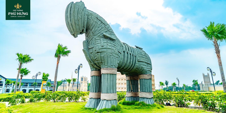 Ngựa gỗ Thành Troy | Cát Tường Phú Hưng